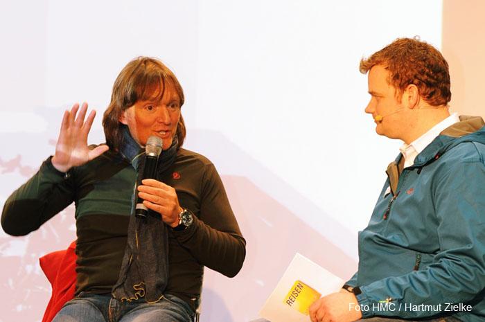 Moderator Henning harfst aus Muenchen im Interview mit Andreas Kieling