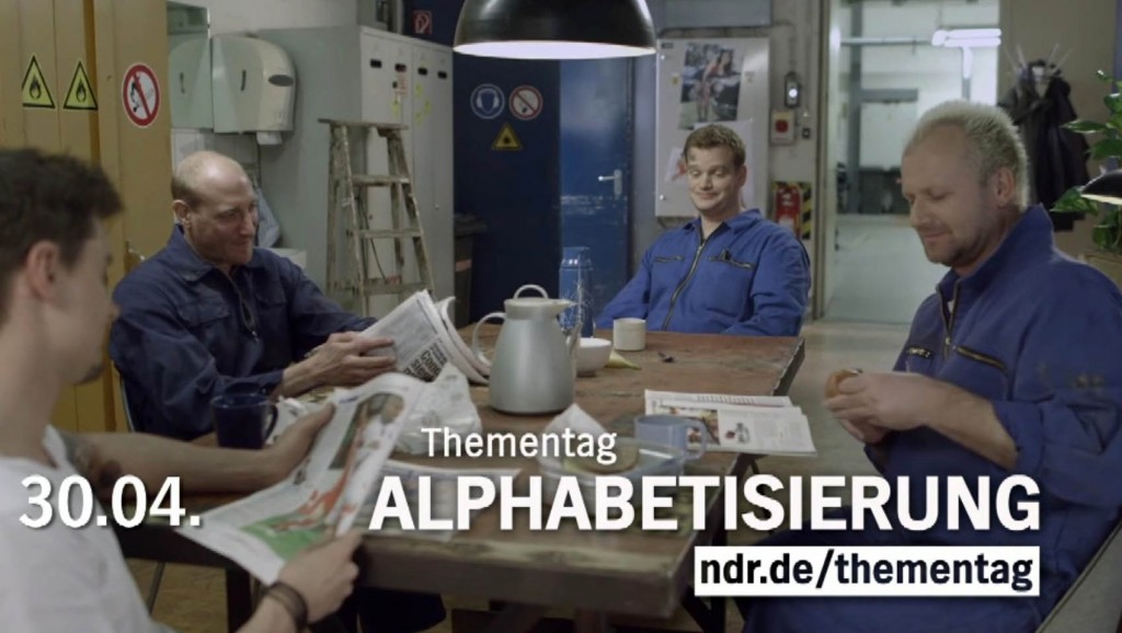 Moderator Muenchen Hamburg Henning Harfst moderiert TV Spot für den NDR