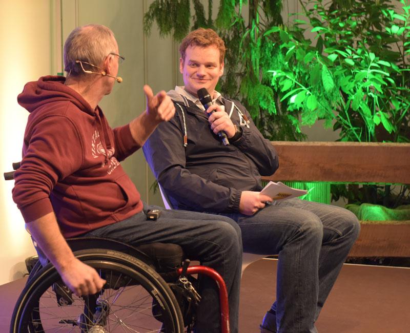 Moderator Henning Harfst Muenchen im Interview mit Andreas Proeve