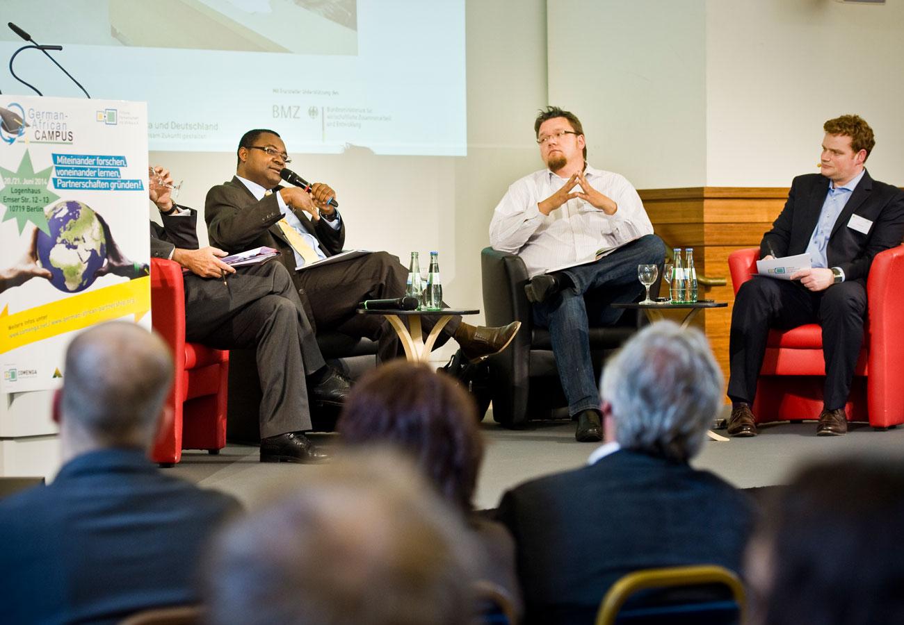 Moderator Diskussionsforum Henning Harfst Hamburg Muenchen