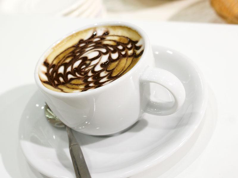 Kaffeepause mit Moderator Henning Harfst